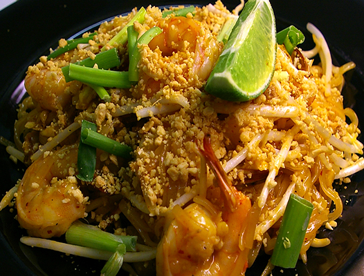 PINEAPPLE SHRIMP PAD THAI